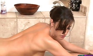 MILF masseuse cocksucking in sixtynine posturing