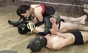 Slaves pay off the mistress'_s saliva with the addition of chewing food