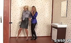 Smoking hot hottie gets brashness fucked and slimed readily obtainable gloryhole