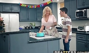 Brazzers.com - mammy got meatballs - my retinue screwed my mammy instalment vice-chancellor ryan conner, jordi el ni&ntild
