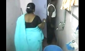 1.aunty clean-cut airless light into b berate camera 1 బౚండాం ఆంà°ÿà±€ స్నానం