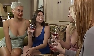Lesbian step sisters have ticker - girlfriends films